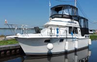 1989 Carver 3207 Aft Cabin Motor Yacht for sale in the Lindsay area north east of Toronto, Ontario, Canada.