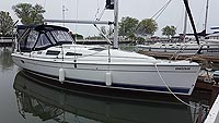 2007 HUNTER 33 SAILBOAT FOR SALE IN THE PORT HOPE EAST OF TORONTO, ONTARIO, CANADA SIMILAR TO THE 1995, 1997, 1998 AND 1999 MODELS.