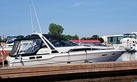 1988 Sea Ray 300 Sundancer for sale in the Trenton area east of Toronto, Ontario, Canada by Ontario boat and yacht brokers.