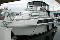 1989 Carver 3297 Mariner - This boat was for sale and sold in the Toronto or Kawartha lakes area of Ontario, Canada.